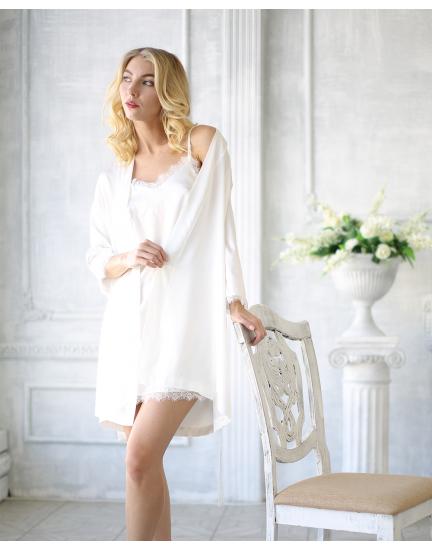 Белый атласный халатик